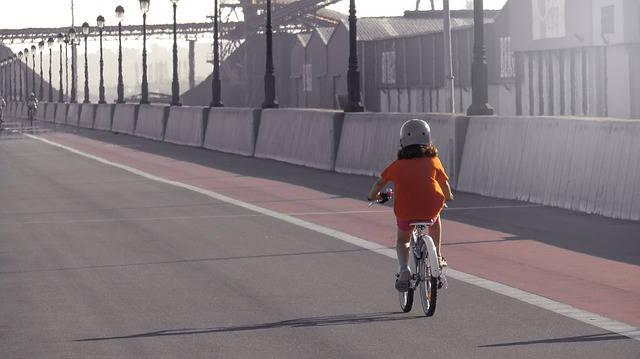 Pierwszy rower dla dziecka na dwóch kółkach – jaki wybrać?